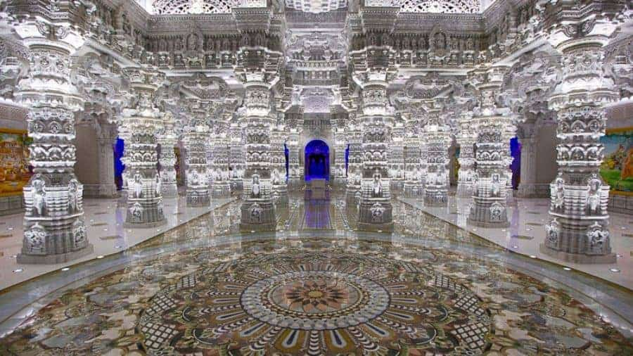 The-Swaminarayan-Akshardham-Temple-America-–-An-Absolute-Marvel