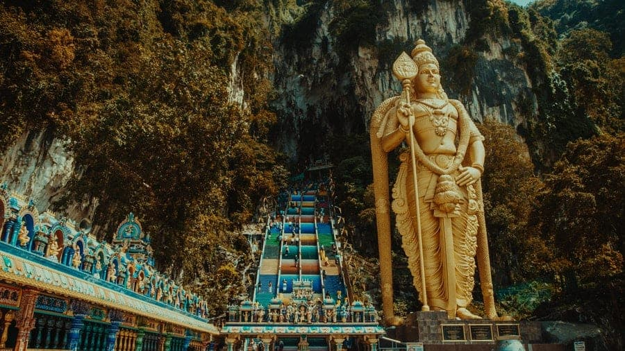 Batu-Cave-Temple-and-Lord-Murugan-Statue-–-A-Temple-with-the-Highest-Statue